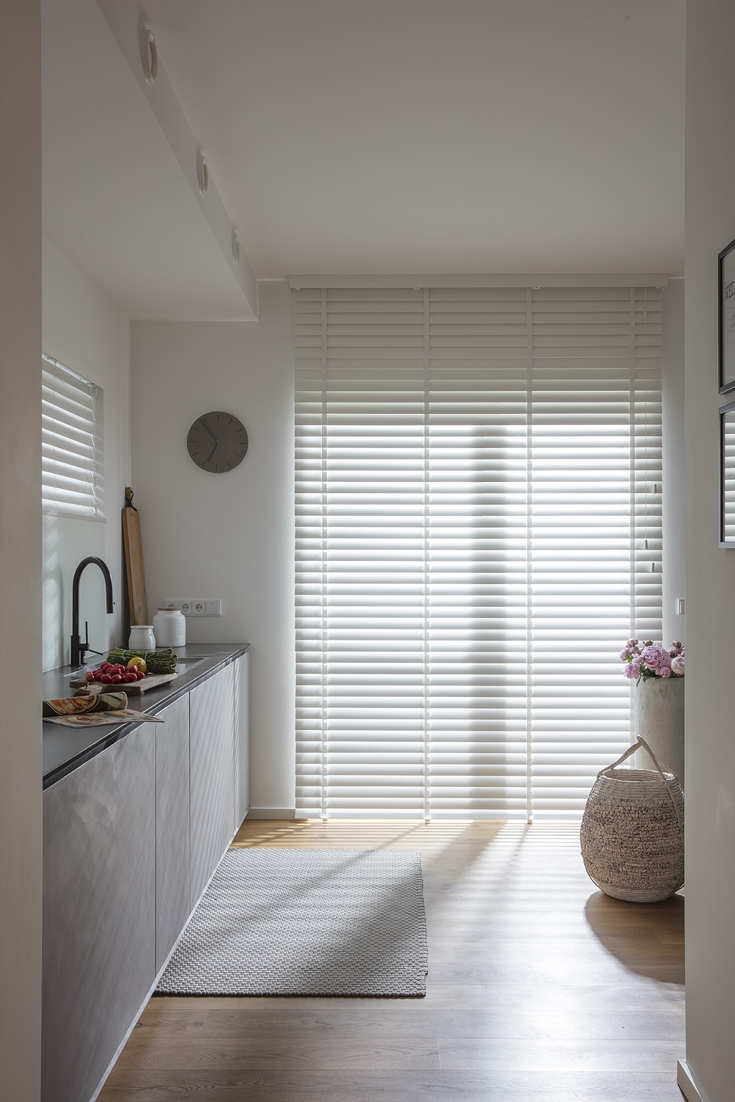 JASNO wooden blinds white new collection in kitchen