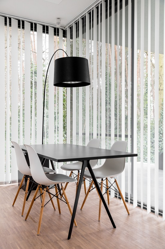 JASNO swings, vertical louver blinds