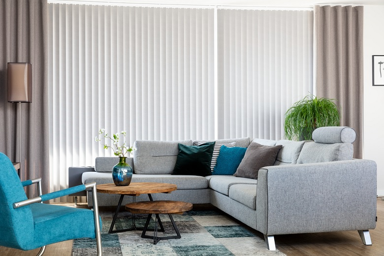 Living room with JASNO swings, vertical louver blinds