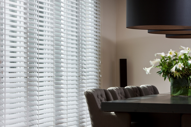 Wooden blinds from JASNO in the livingroom