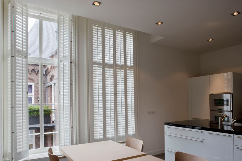 Kitchen with JASNO shutters