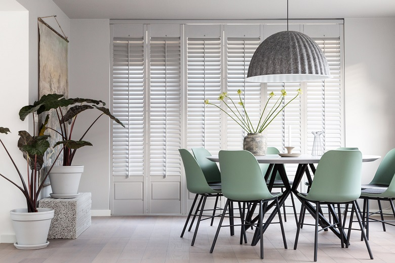 JASNO shutters in a dining room