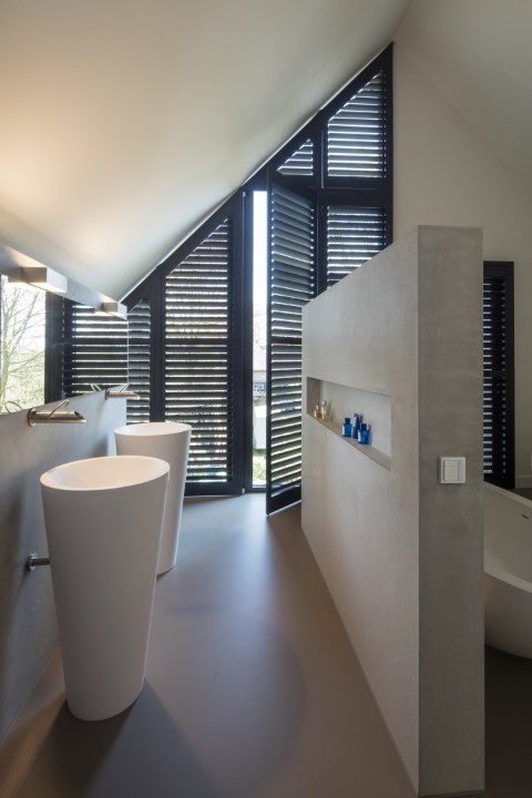 dark angled shutters without center tiltrod silentview bathroom bath