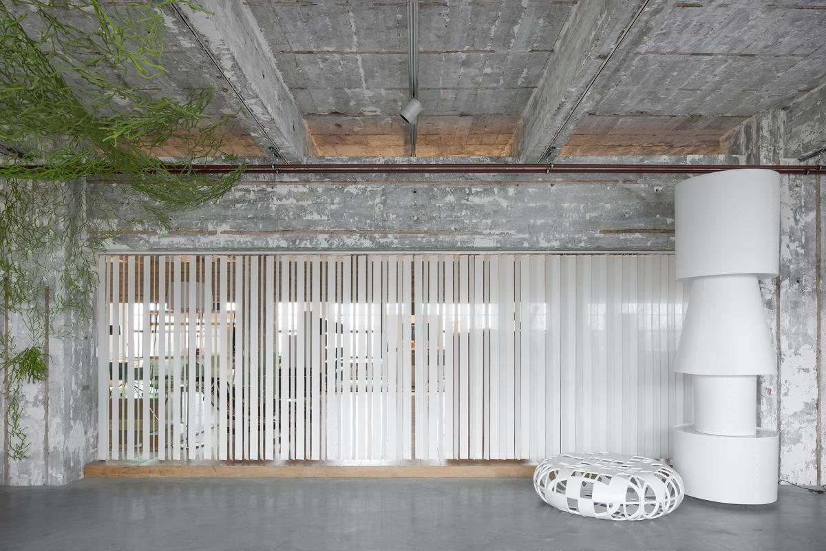 JASNO vertical louver blinds in a loft