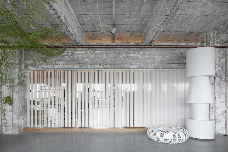 JASNO swings: vertical louver blinds will be presented at Dutch Design Week Eindhoven